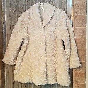 Neiman Marcus cream patterned faux fur coat NWOT